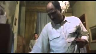 من فيلم السادات دول لازم يتحاكموا بتهمة الغباء السياسى