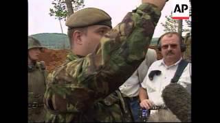 YUGOSLAVIA: KOSOVO: PRISTINA: RUSSIANS BLOCK ACCESS TO AIRPORT