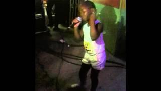 Child singing Keisha White Weakness in Me