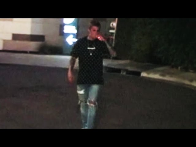 Justin Bieber Smokes Outside The Nice Guy And Jokes With The Paparazzi