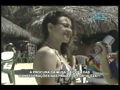 Ênio Carlos 13 05 13 Mari e Aryana na praia