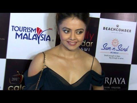 Saath Nibhana Saathiya's HOT Devoleena Bhattacharjee CLEAVAGE show | Video