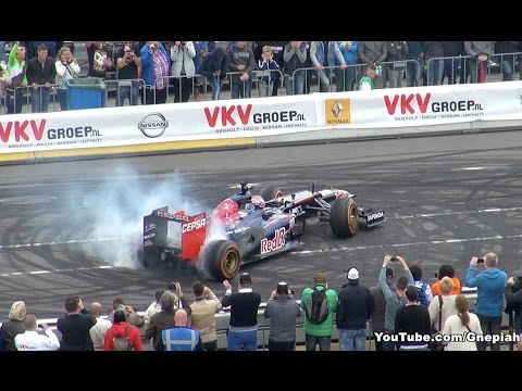 16-year-old Max Verstappen crashes F1 car during demonstration event in Rotterdam