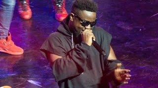 Sarkodie - Lit performance @ Vodafone Ghana Music Awards 2017 | Ghana Music.com Video