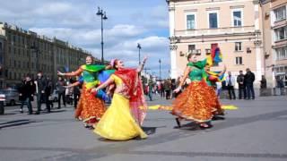 Namaste Russia. Bollywood flashmob in St-Petersburg by ZDStudio, may 2017