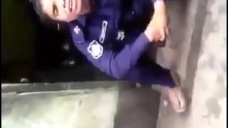 একি বাংলাদেশ মহিলা পুলিশ বিক্রি করছে গাঁজা