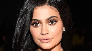 Kylie Jenner & Kendall Jenner Reveal The Most Boring Kardashian - VIDEO