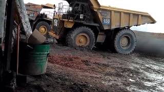 Dump Truck Di Tambang Lati Berau