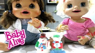 BABY ALIVE Ruby Snow Paints A Christmas Tree Ornament With Pumpkin!