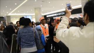 JUSTIN BIEBER LOOK A LIKE PRANK SOUTH AFRICA  Entire Mall Attracted  Mall Security Calledyoutube com