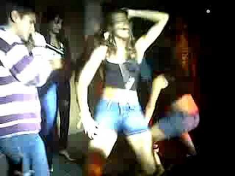 Asi se baila el reggaeton