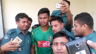 Mustafiz কে পেয়ে পুলিশ বাহিনীর সেলফি উৎসব Bangladesh Cricket news 2016