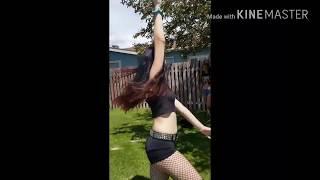 AJ Lee VS Paige