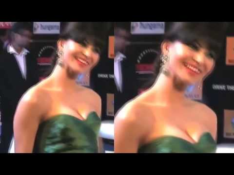 Xxx Mp4 Urvashi Rautela HOT Cleavage Show And Shocking Moments 2017 3gp Sex