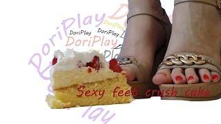 Sexy feet crush cake