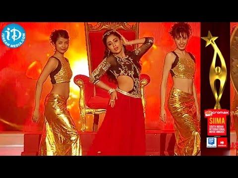 Shriya Saran Dance Performance @ SIIMA 2014 Awards