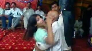 dance on wedding.3gp