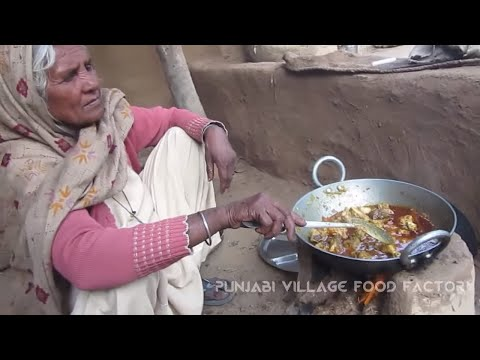 Grandma Chicken Curry✔ The UlTiMaTe Chicken Curry in WoRlD ✔ Punjabi Village Food Factory