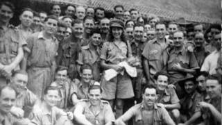 Vera Lynn - (There'll Be Bluebirds Over) The White Cliffs Of Dover
