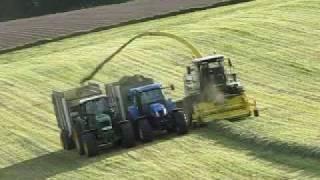 John Deere 7350 New Holland TS 135A et John Deere 7530