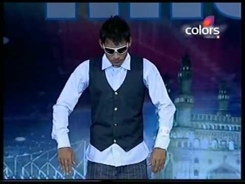 Tienes que ver éste bailarín indio You should see this indian dancer