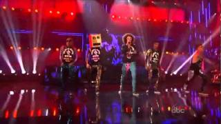 LMFAO-Party rock anthem y I`m sexy and I know it live ft.Justin Bieber AMA 2011