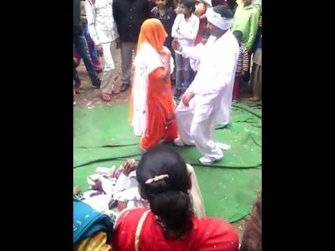 Desi danse in baroda village jija vs sali(4)