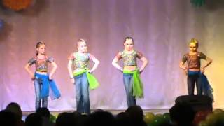 Russian Children dancing Bollywood song