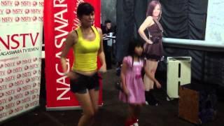 Putri Fe Feat Qezzhin - Serigala Busuk