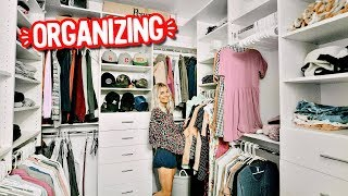CLEANING & ORGANIZING MY CLOSET!