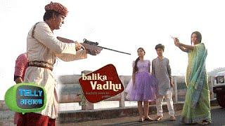 Watch: Akhiraj Kills Anandi & She Dies | Balika Vadhu | Colors