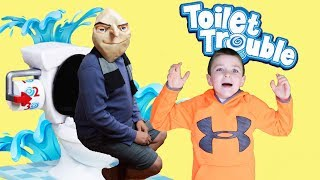 DISPICABLE ME 3  Gru plays TOILET TROUBLE vs Little Heroes! Hilarious Unboxing video!
