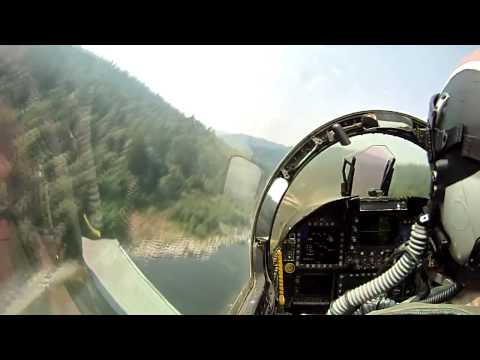Amazing Extreme Low Flying F/A-18 Hornet