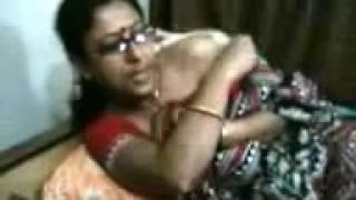 Hot desi aunty dance