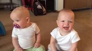 FUNNY TWIN BABY Girls Fighting Over Pacifier - REVERSED