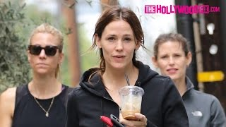 Jennifer Garner Works Out & Grabs Coffee With Her Sister And Best Friend 1.23.16