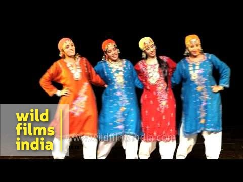 Rouf dance being performed by Kashmiri artists in Delhi