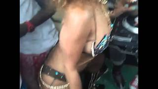 Rihanna twerking at Barbados Carnival 2015