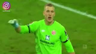 لقطة الموسم من الدوري الألماني ..عندما اعتقد الحارس أن علامة ضربة الجزاء هي الكرة