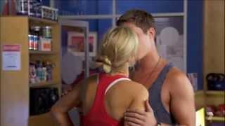 Indi & Chris II 5820 Hug & Kiss
