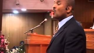 Pastor Maxime Pape Vivre dans L'Esperance 3 1 1