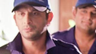 Arshad Warsi in a plumber attire | Mr. White Mr. Black
