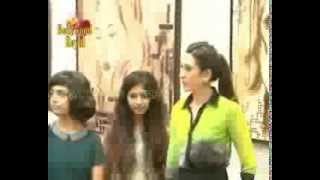 Karisma Kapoor at 'Bal Disha'  an exhibition for young artists  1