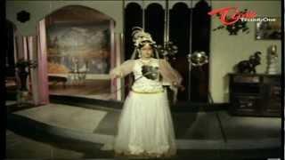 Lady Ghost Turns Ladies Nude - Telugu Comedy Scene
