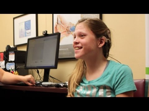 14-Year-Old Girl Breaks Down In Tears Hearing Mom's Voice Clearly For First Time