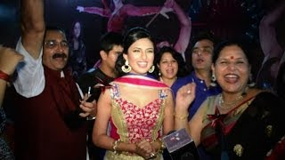 Divyanka Tripathi wins 5 Awards at STAR Parivaar Awards 2014