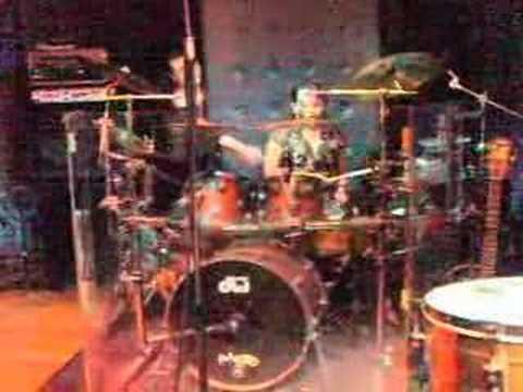 On drums melatah technique