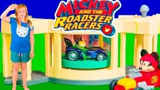 MICKEY AND THE ROADSTER RACERS Disney Assistant Car Wash with Minnie Mouse and Lightning McQueen Toy