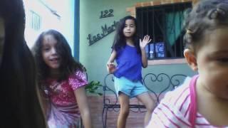 bobo jbalvin niña bailando muy graciosa