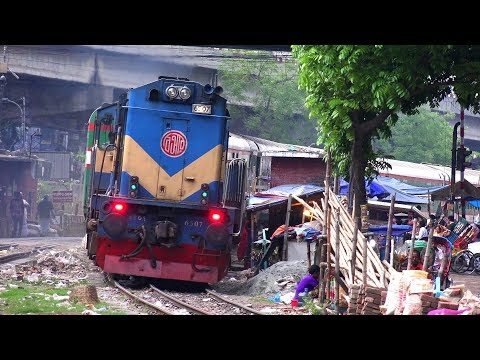 Xxx Mp4 Sundarban Express Train সুন্দরবন এক্সপ্রেস ট্রেন With WDM3A 6507 Loco 3gp Sex